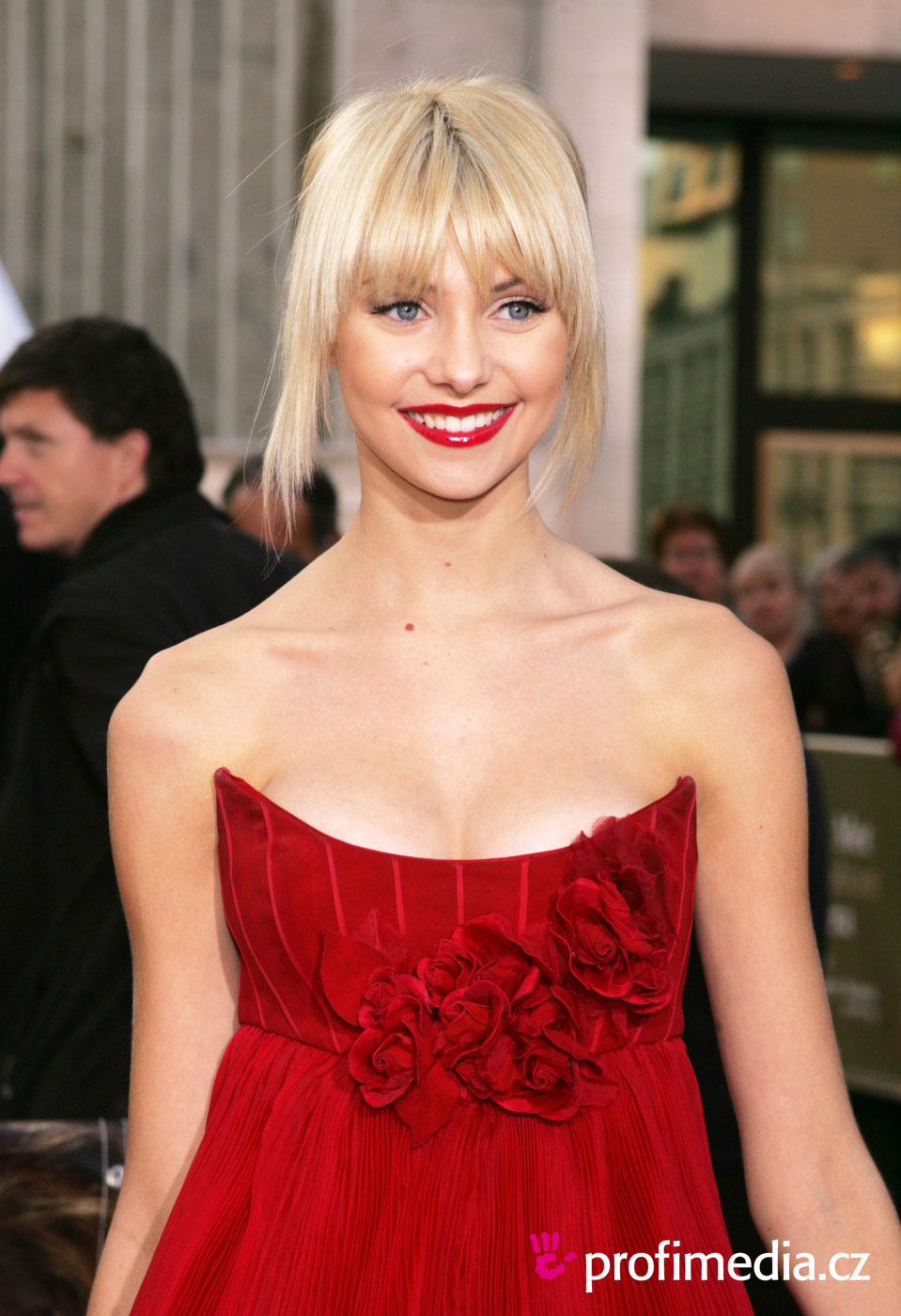 Taylor Momsen Hairstyle Easyhairstyler
