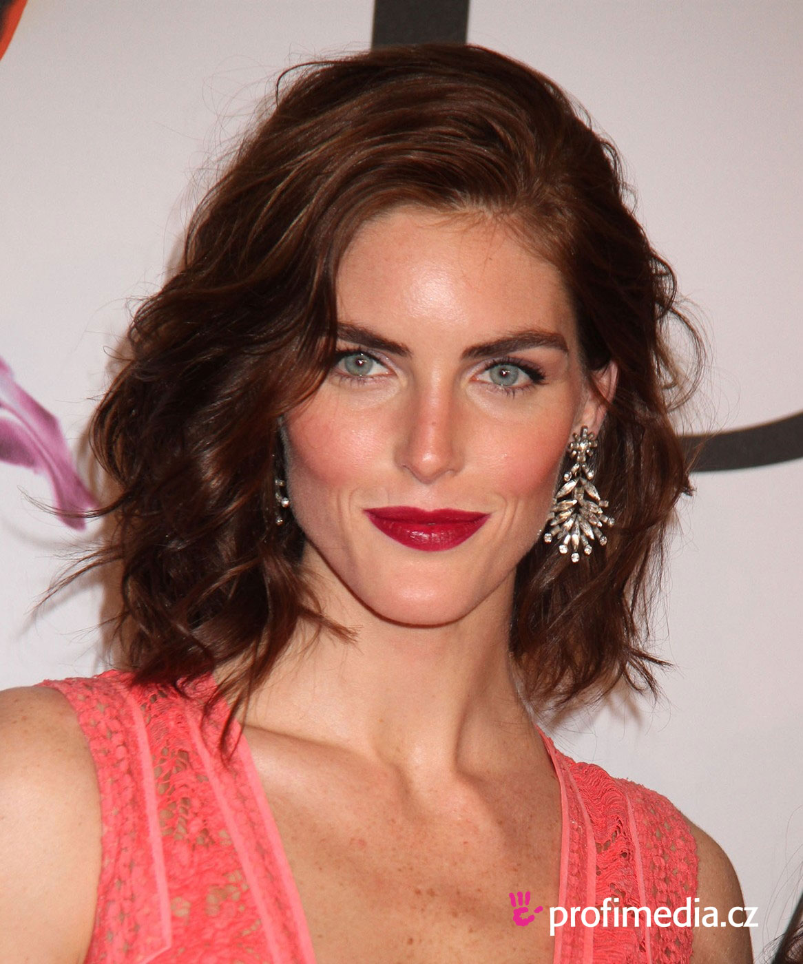 Hilary rhoda coiffure happyhair for Miroir virtuel coiffure