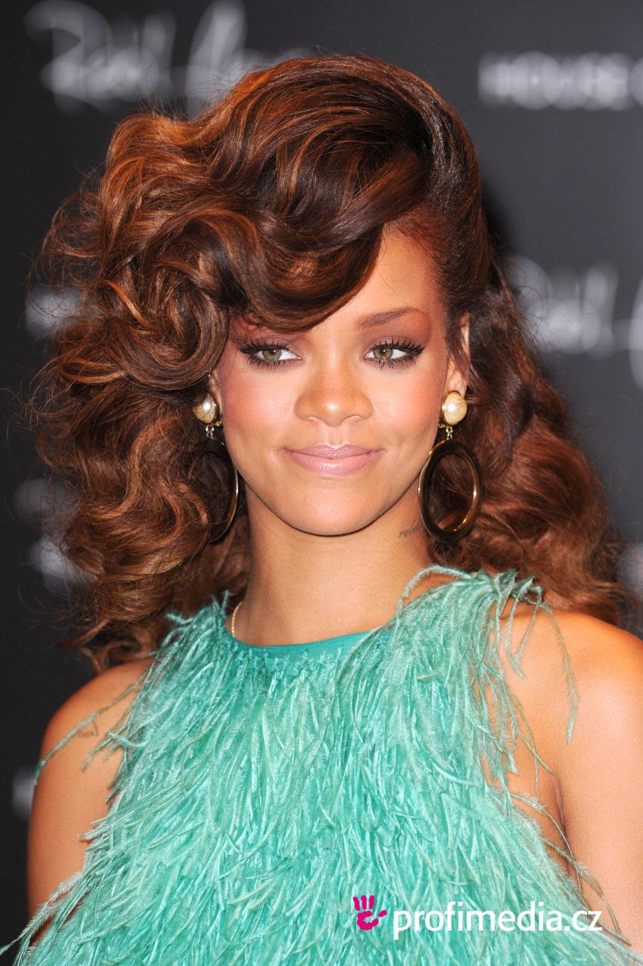 Rihanna coiffure happyhair for Miroir virtuel coiffure