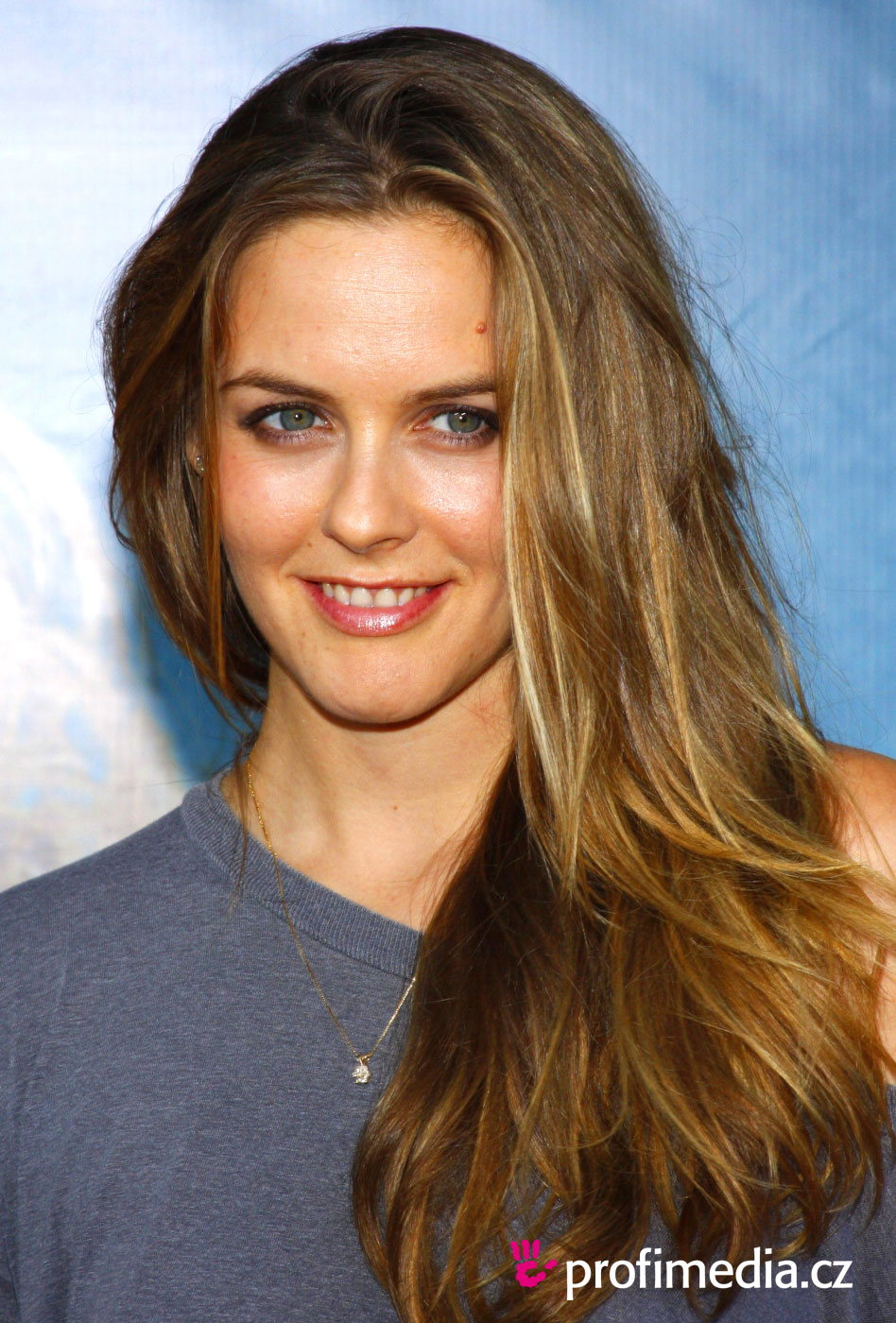 Alicia Silverstone Hairstyle Easyhairstyler