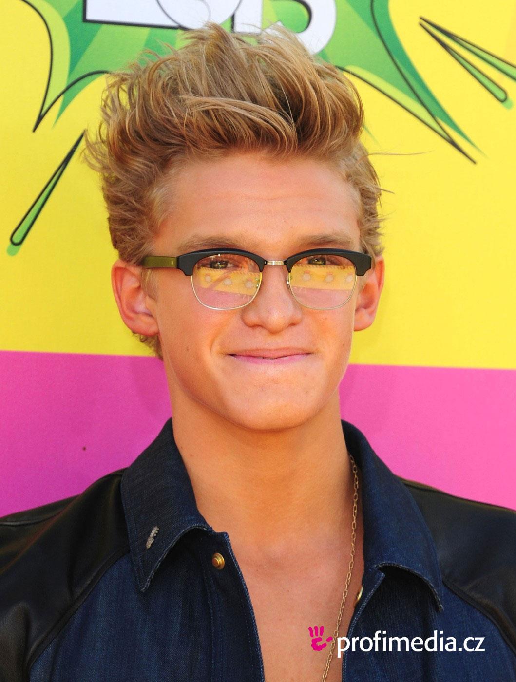 Cody Simpson Frisur Zum Ausprobieren In Efrisuren