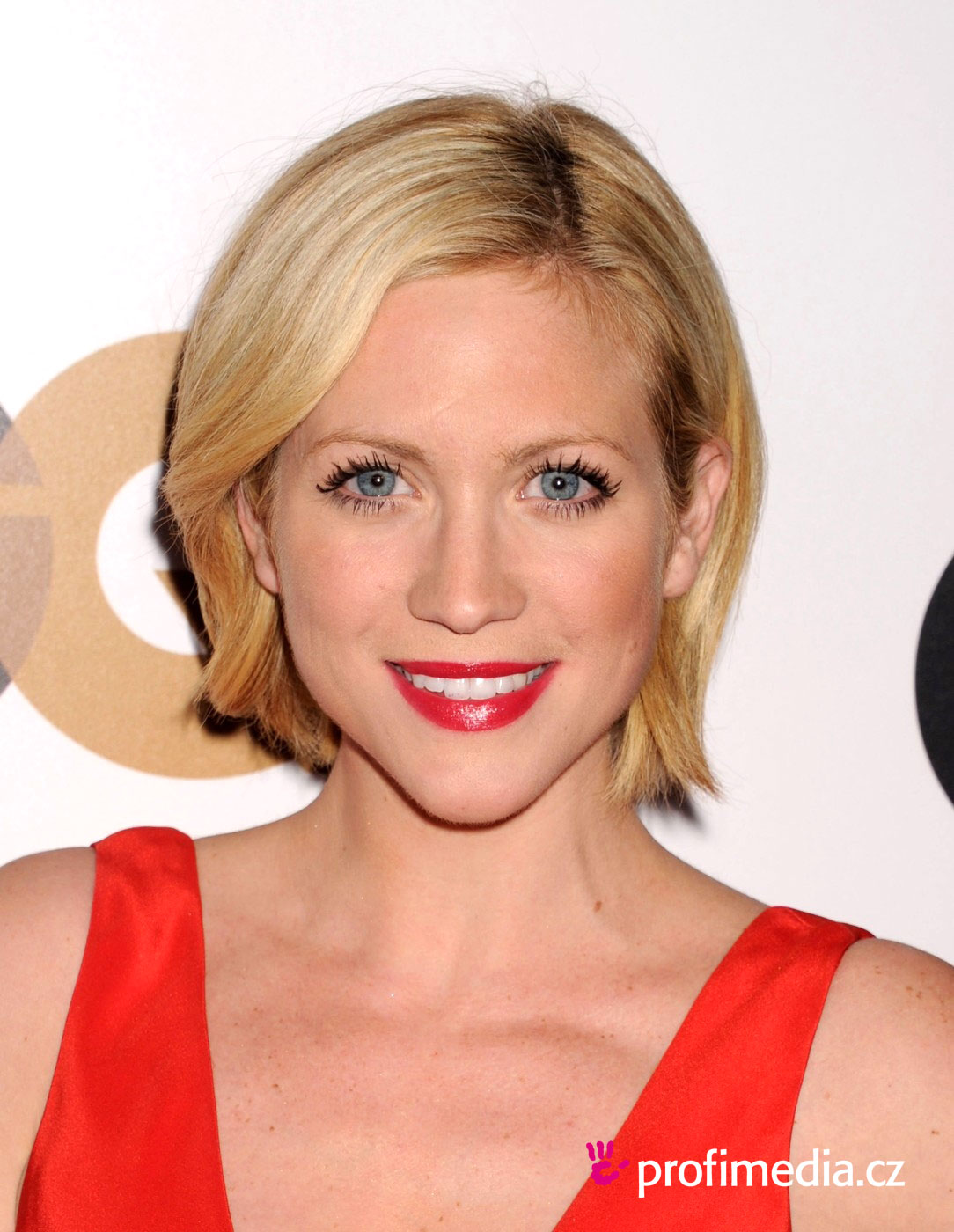 brittany snow frisur zum ausprobieren in efrisuren. Black Bedroom Furniture Sets. Home Design Ideas