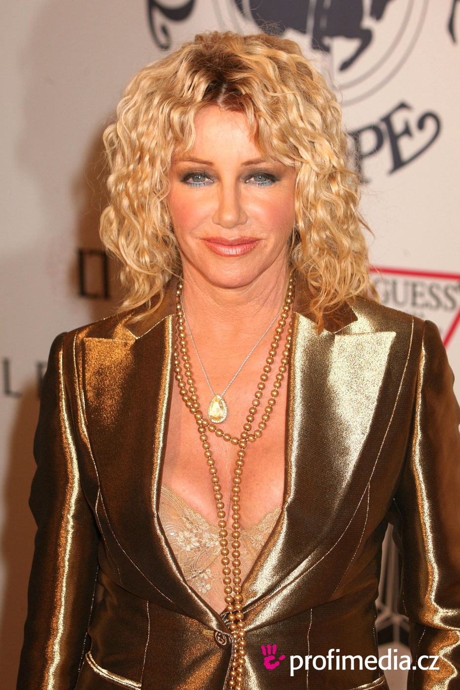 Suzanne Somers Hairstyle Easyhairstyler
