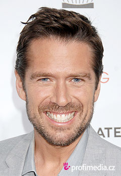 Acconciature delle star - Alexis Denisof