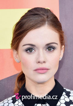 Acconciature delle star - Holland Roden