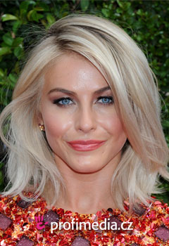 Účesy celebrit - Julianne Hough