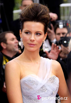 Účesy celebrít - Kate Beckinsale