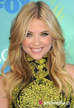 Účesy celebrít - Ashley Benson