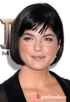 Acconciature delle star - Selma Blair