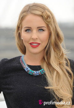Acconciature delle star - Lydia Bright