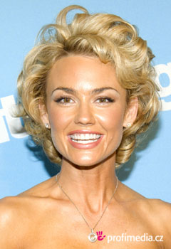 Acconciature delle star - Kelly Carlson