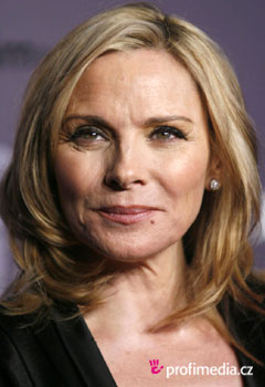 Coafurile vedetelor - Kim Cattrall