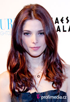 Sztárfrizurák - Ashley Greene