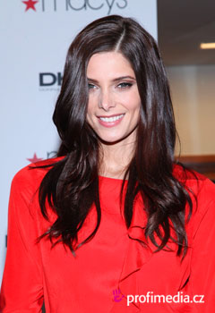 Peinados de famosas - Ashley Greene