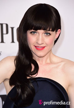 Acconciature delle star - Lena Hall