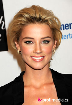 Acconciature delle star - Amber Heard