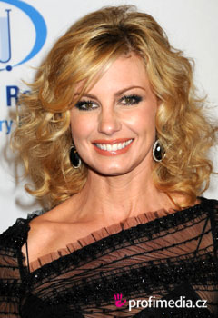 Acconciature delle star - Faith Hill