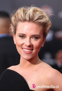 Scarlett Johansson Fryzury Gwiazd W Happyhair