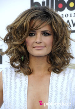 Acconciature delle star - Stana Katic
