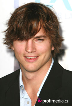 Acconciature delle star - Ashton Kutcher