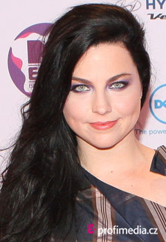 Účesy celebrít - Amy Lee