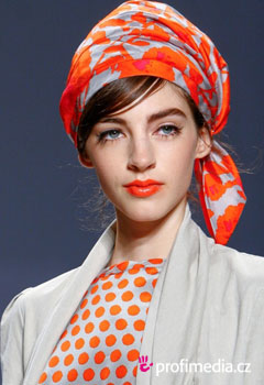 Promi-Frisuren - Fashion shows Spring Summer 2012
