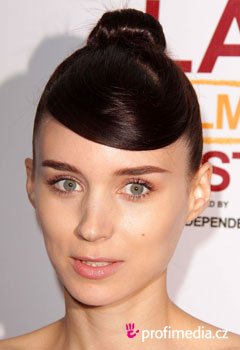 Acconciature delle star - Rooney Mara