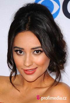 Promi-Frisuren - Shay Mitchell