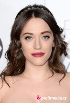 Acconciature delle star - Kat Dennings