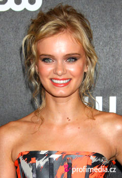 Coafurile vedetelor - Sara Paxton