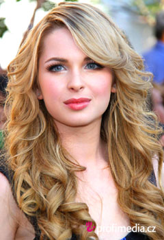 Acconciature delle star - Kirsten Prout