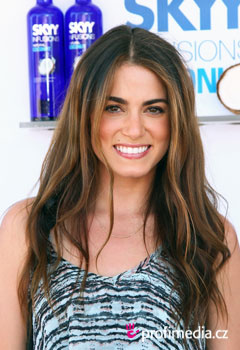 Acconciature delle star - Nikki Reed