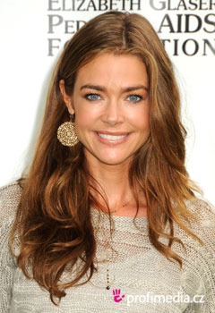 Coiffures de Stars - Denise Richards