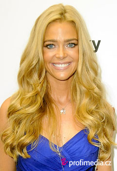Acconciature delle star - Denise Richards