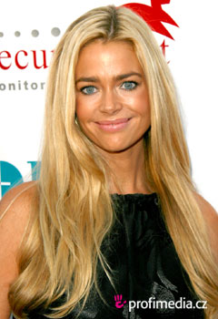Promi-Frisuren - Denise Richards