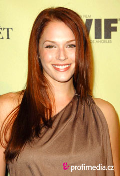 Promi-Frisuren - Amanda Righetti