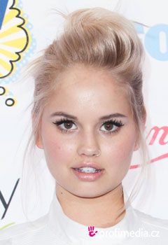 Acconciature delle star - Debby Ryan