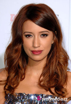 Acconciature delle star - Christian Serratos