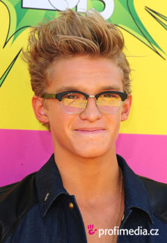 Acconciature delle star - Cody Simpson
