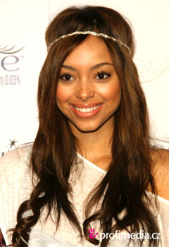 Acconciature delle star - Amber Stevens