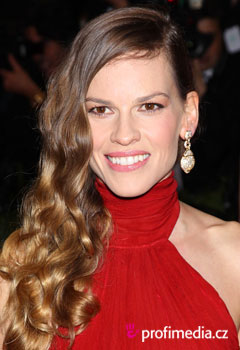 Acconciature delle star - Hilary Swank