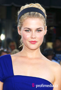Coafurile vedetelor - Rachael Taylor