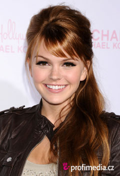 Celebrity - Aimee Teegarden