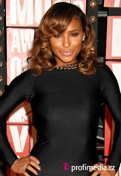 Acconciature delle star - Melody Thornton