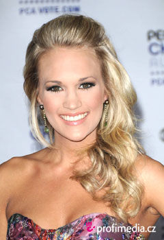 Coafurile vedetelor - Carrie Underwood