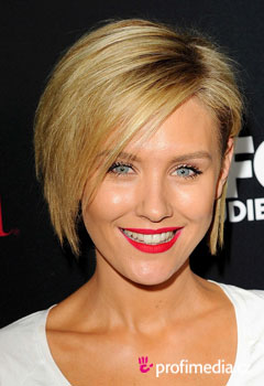 Acconciature delle star - Nicky Whelan