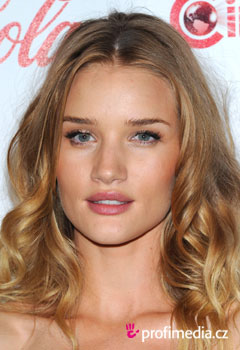 Acconciature delle star - Rosie Huntington-Whiteley