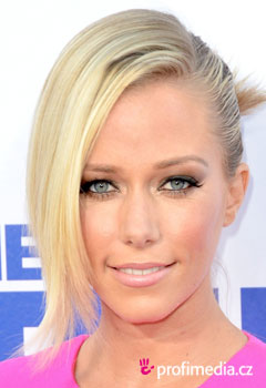 Celebrity - Kendra Wilkinson