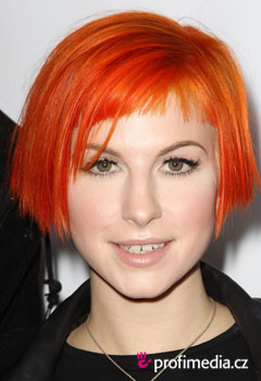 Účesy celebrit - Hayley Williams