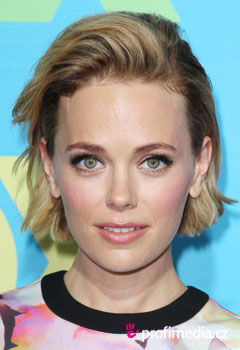 Celebrity - Katia Winter
